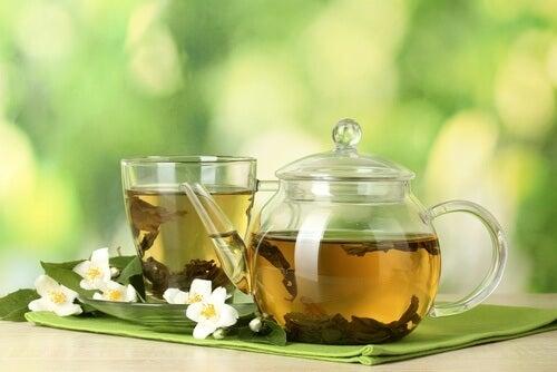 緑茶のさまざまな健康効果
