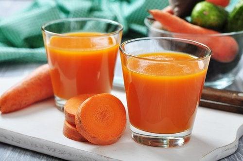 にんじん野菜ジュース