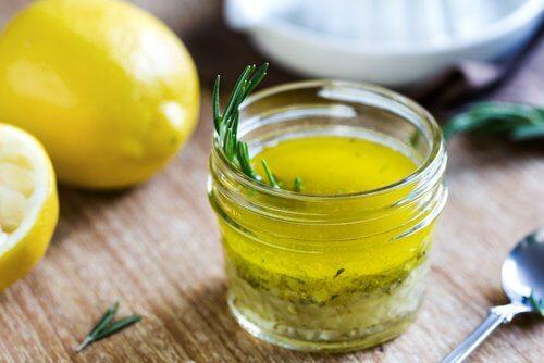 lemon-juice-and-olive-oil