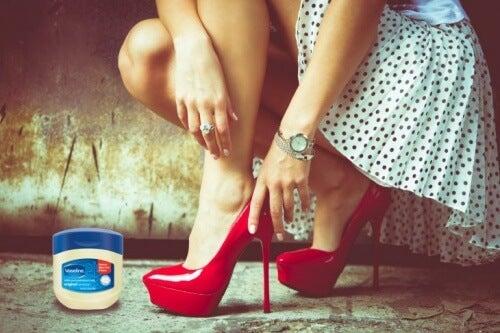 shoe-vaseline