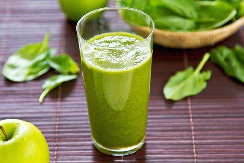 体に潤いを!減量効果のある水分補給ジュースの作り方
