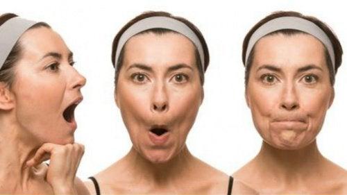 シワやたるみを予防するフェイシャルエクササイズ7選