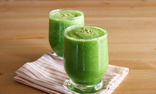 green-smoothie-500x304-1