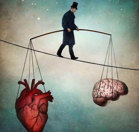 hombre-sujetando-corazon-y-cerebro