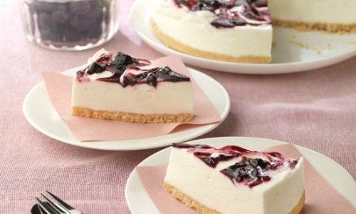 ヨーグルトで簡単ヘルシー!ブルーベリーチーズケーキの作り方
