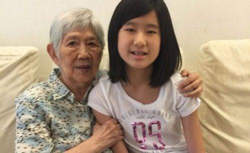 アルツハイマー病の祖母のために12歳の少女が作ったアプリ
