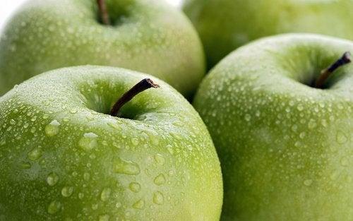 青リンゴは高繊維質