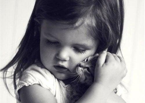 情緒剥奪:心の栄養失調