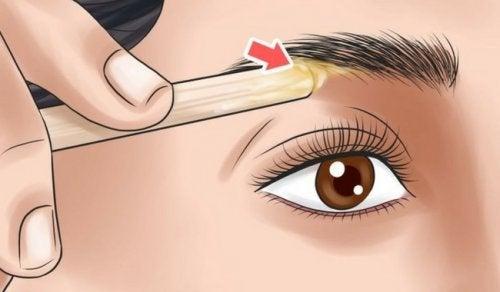 眉毛を整えて自分にぴったりの美眉を作る方法