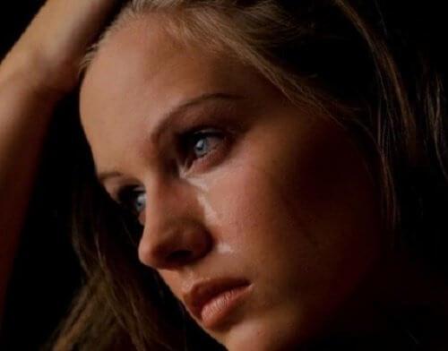 愛する人を失ったとき:悲しみをを乗り越える方法