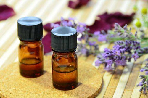 3-lavendar-essential-oil