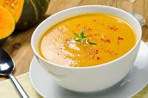 効果抜群!おいしい脂肪燃焼スープ5選