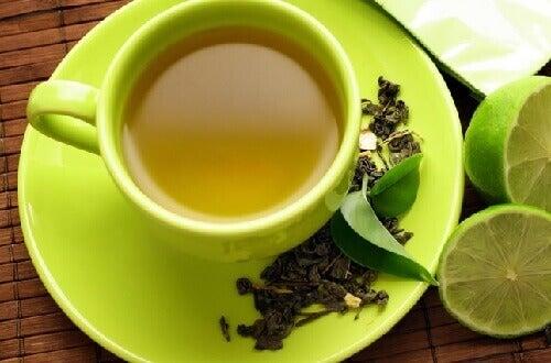 緑茶とレモンの組み合わせ