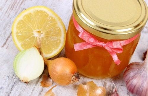 レモン、蜂蜜、玉ねぎ