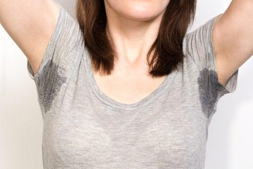 寝汗の一般的な原因5つ