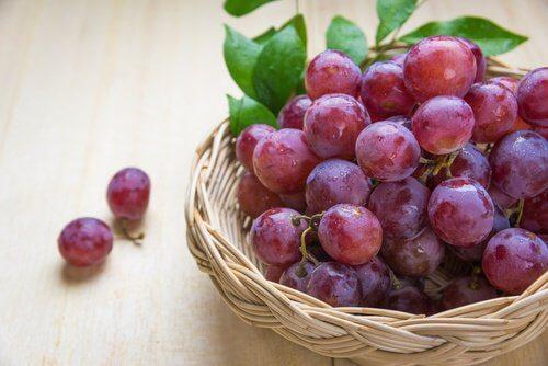 老化を遠ざける10種のフルーツ