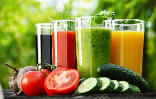 vegetable-juice-glasses