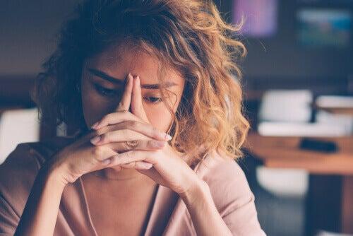 神経質な人に見られる5つの行動