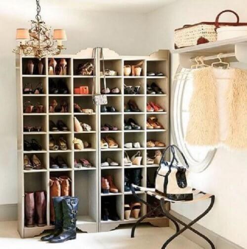 靴の収納-棚