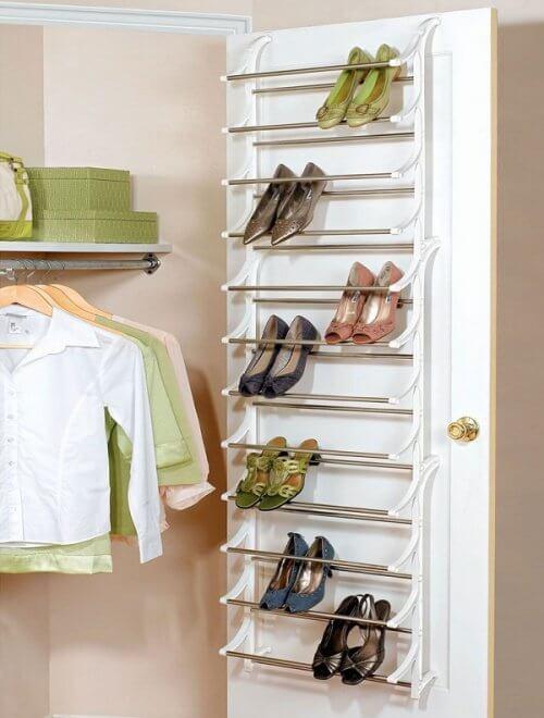 靴の収納-ドアを使った収納