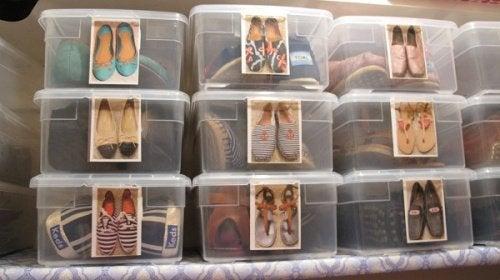 靴の収納-プラスチックケースを使った収納