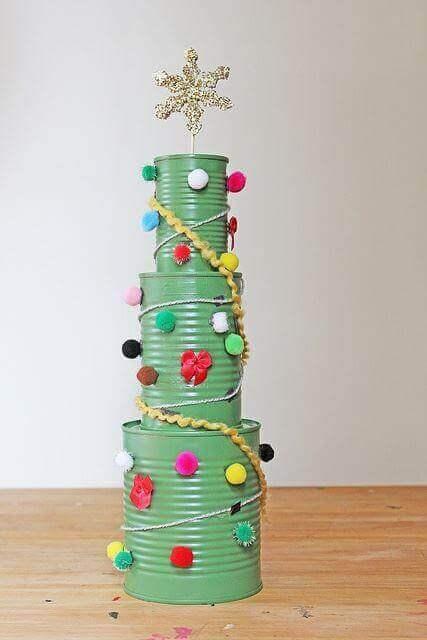 空き缶クリスマスツリー