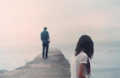 なぜ、別れを乗り越えるのはこんなにも難しいのか