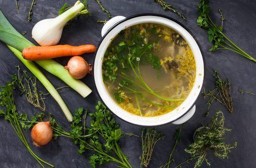 ヘルシーダイエットに役立つ/おいし〜い野菜スープの材料とは?