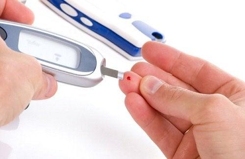 2-test-blood-sugar