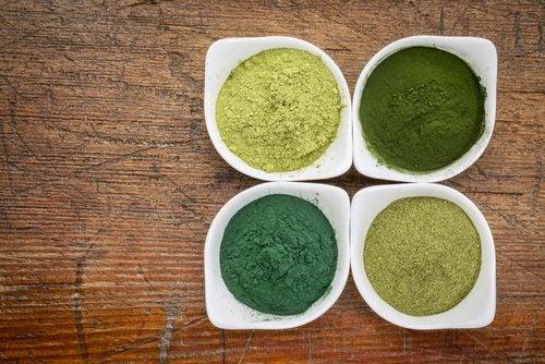 4つの緑の粉