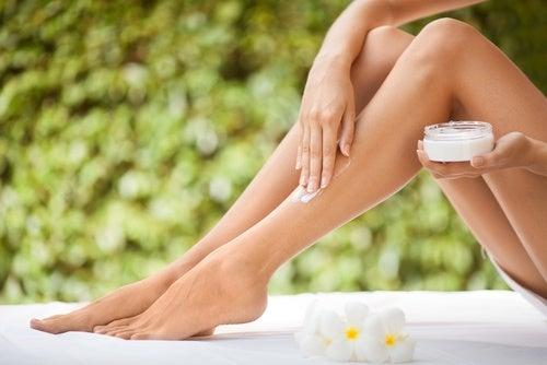 乾燥肌 のための脚用クリーム