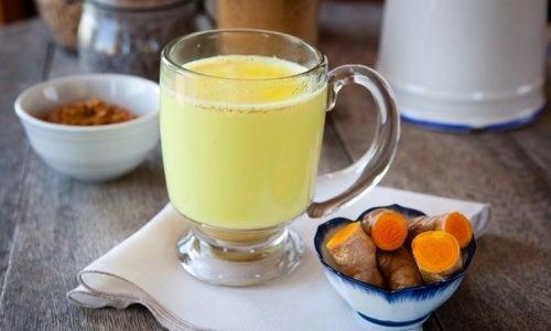 生姜とターメリックのお茶