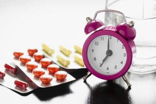 薬と食べ物の危険な組み合わせ