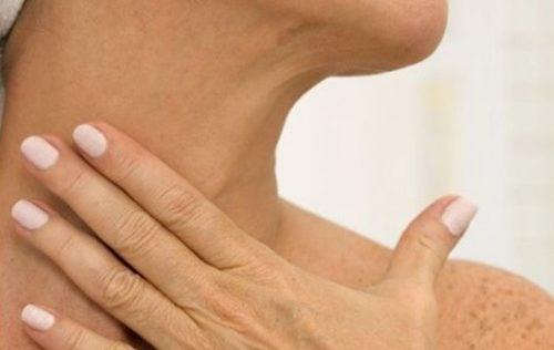 首のシワをとる5つの自然療法