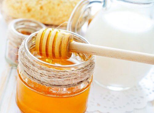 ハチミツで作る 保湿パック