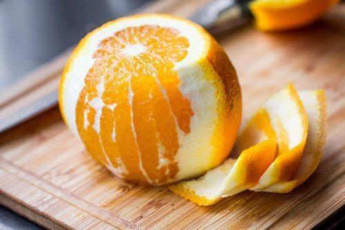 驚くべきオレンジピールの8つの薬用効果