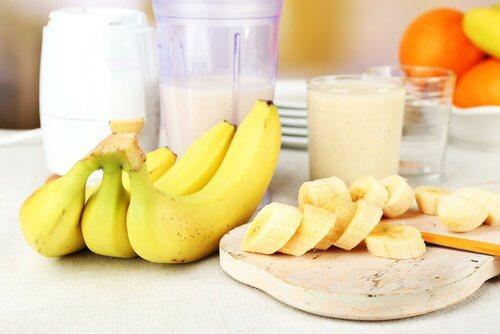 朝食のバナナ