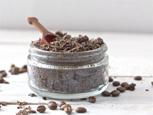 コーヒー豆とベーキングソー
