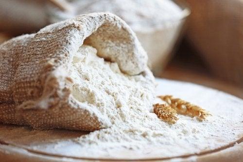 小麦粉を使った食品を夕食に食べるのは体に悪いってホント?