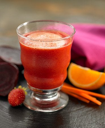 zumo-de-zanahoria-remolacha-fresaynaranja