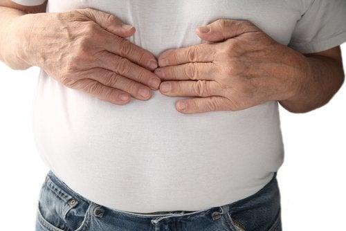 呑酸の症状は胸焼け