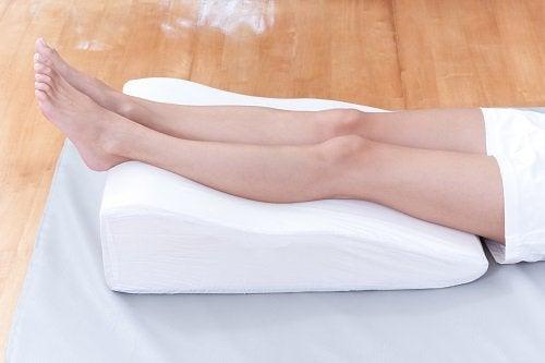 cushion under legs
