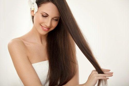 健康な髪を伸ばす為にできる3つの事