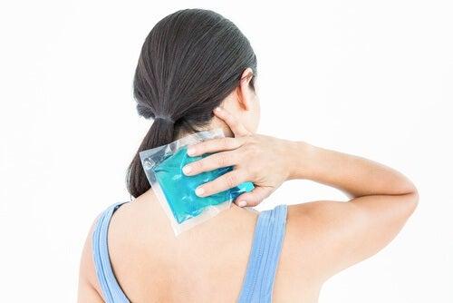 背中の炎症
