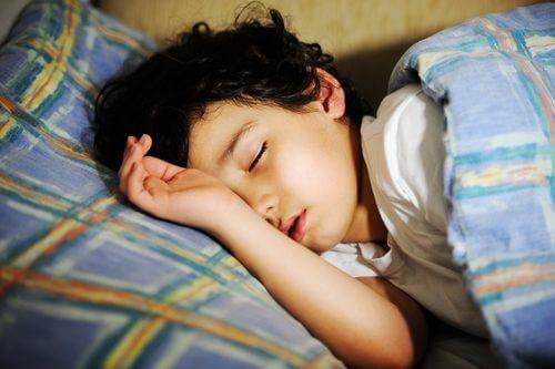 子供にとっての睡眠の重要性