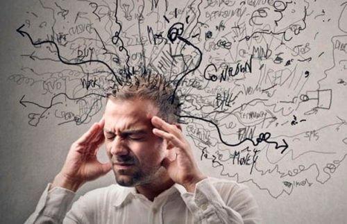 不安感を生み出す反芻思考