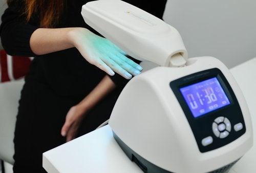 光線療法に使われる機器