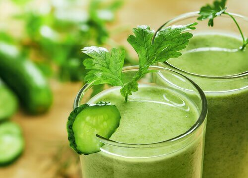 緑色のスムージー