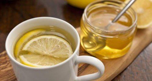 はちみつとレモンのお茶