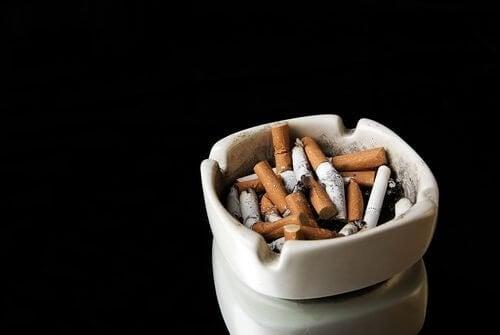 健康に害を及ぼす5つの悪習慣